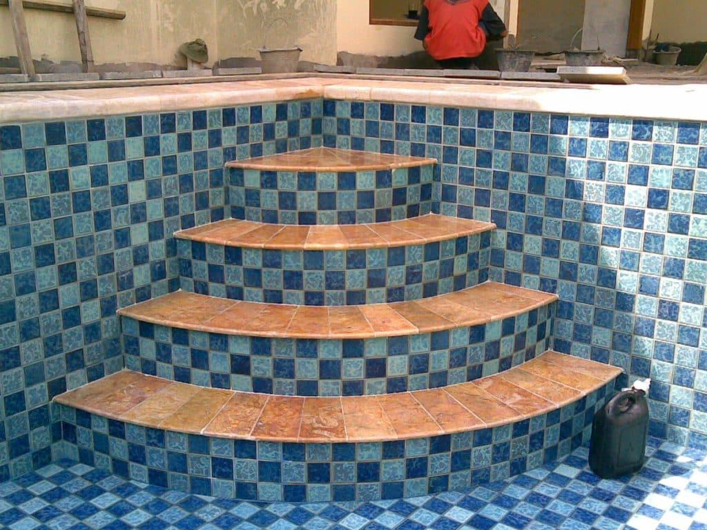 model tangga kolam renang