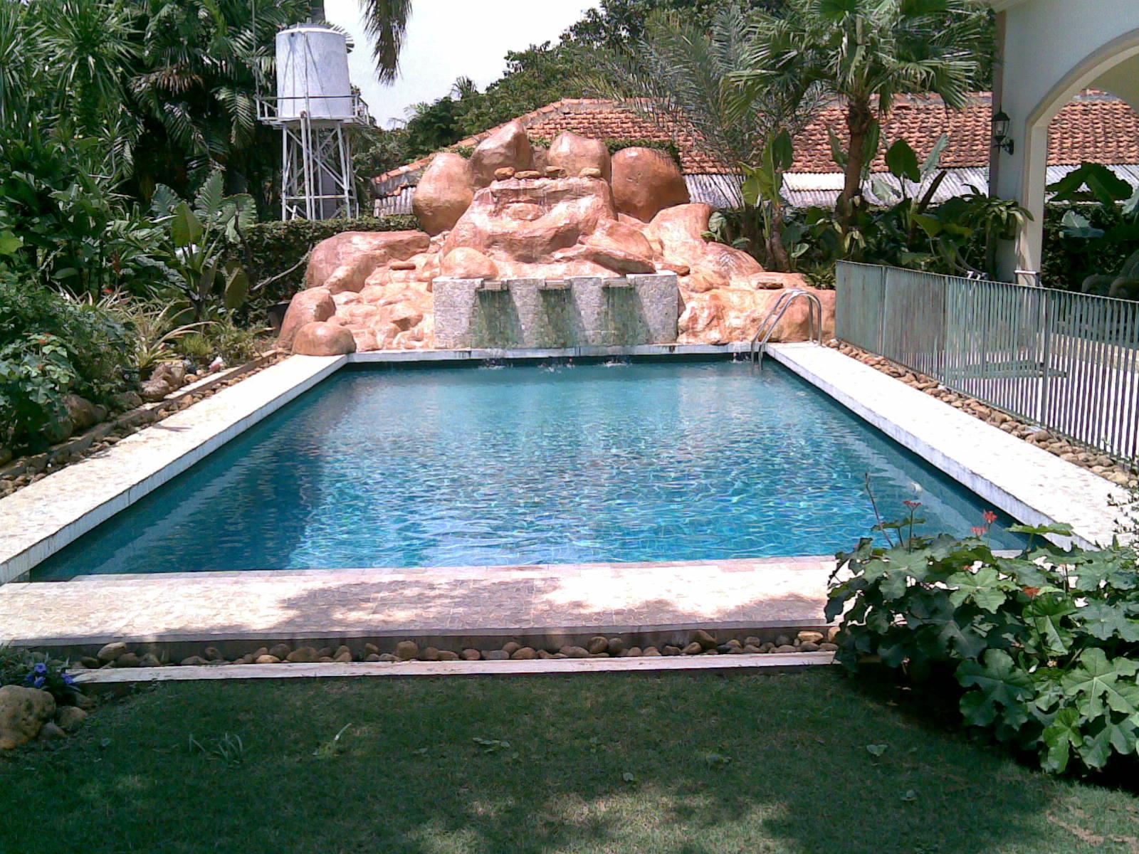 kolam renang batu alam