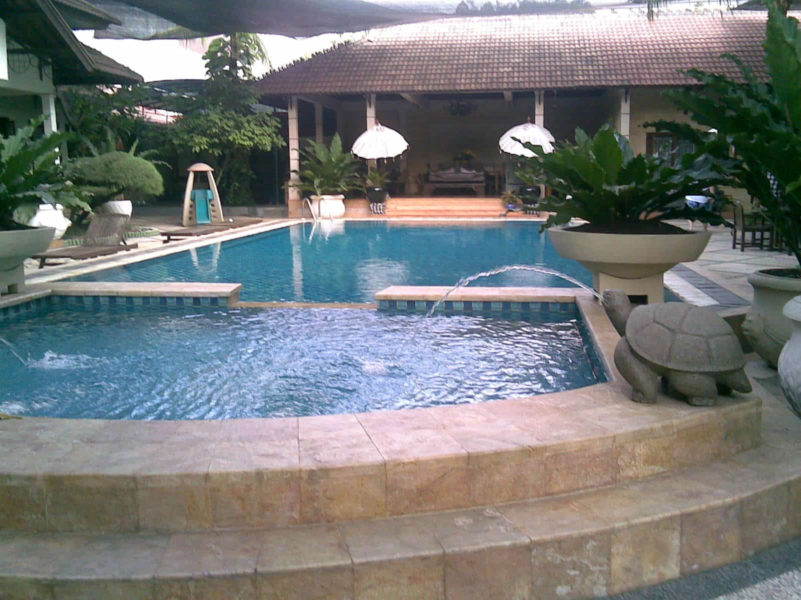kolam renang dingin