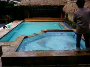 kolam renang hangat