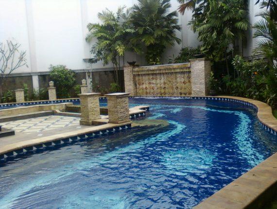 kolam renang terbaik