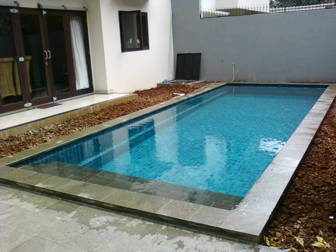 mozaik kolam renang