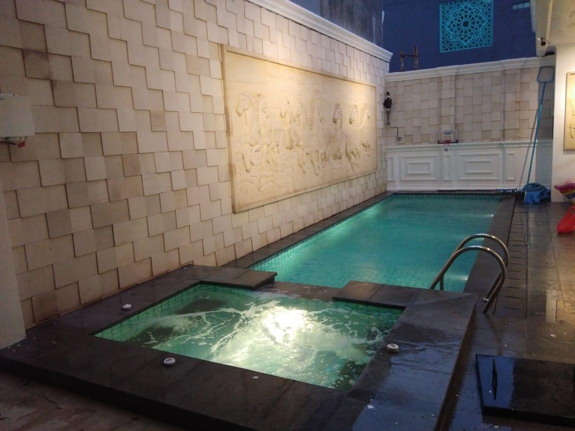 kolam renang arus
