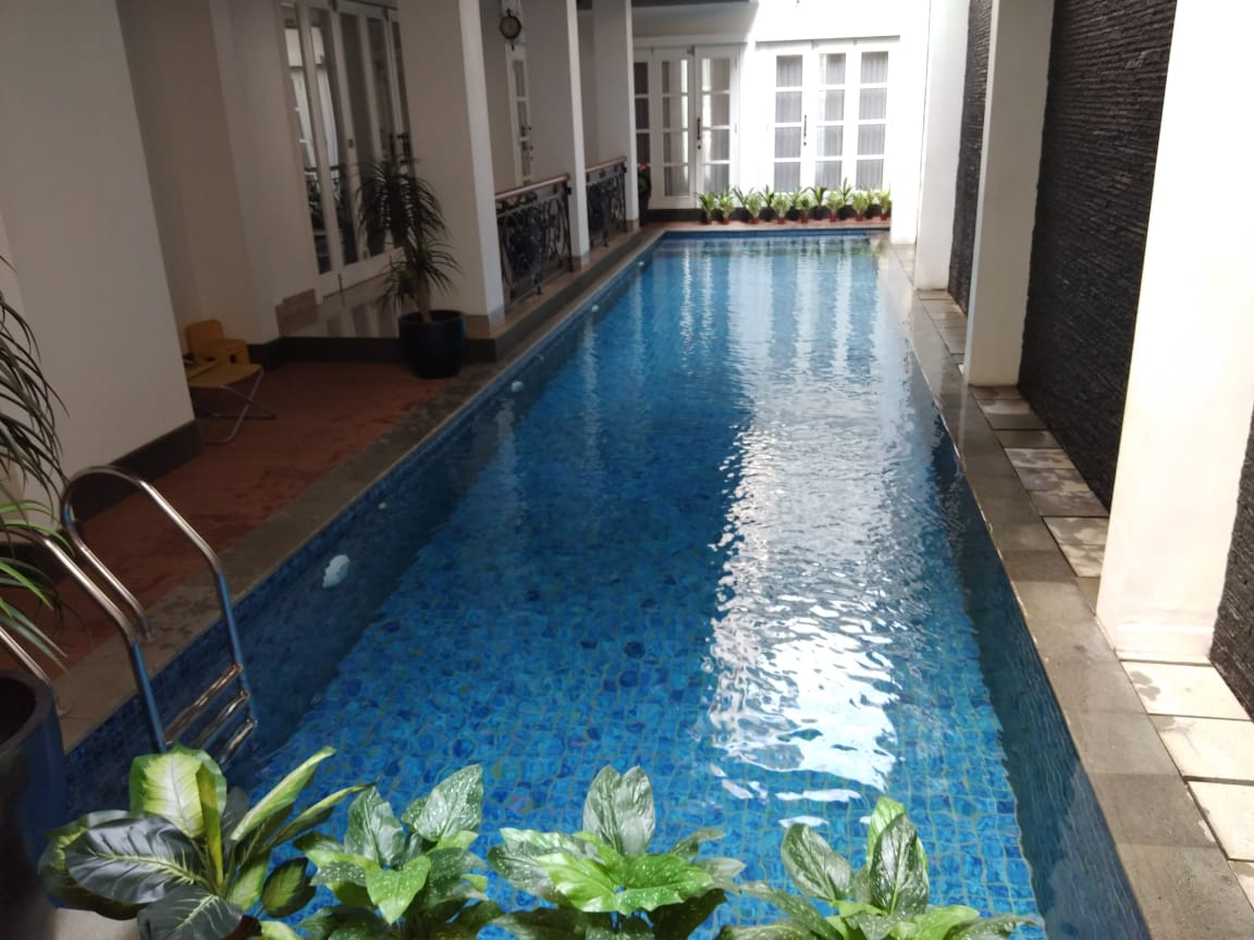 kolam renang persegi panjang