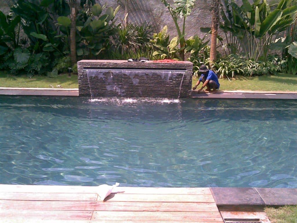 kolam renang depok